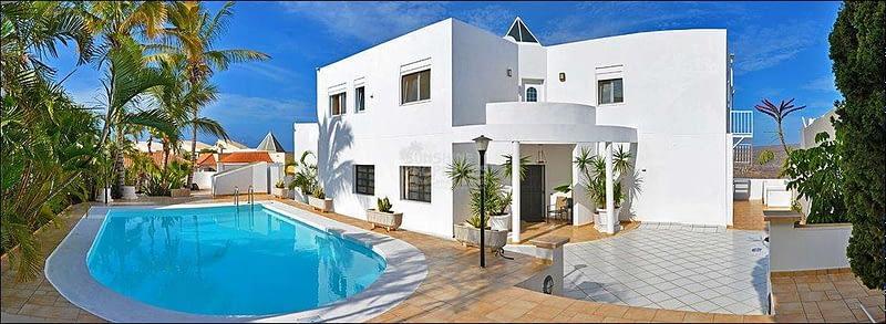 Luxury Villa with Spectacular Sea Views above Amadores