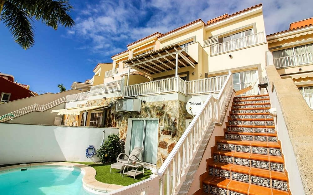 Modern 4 bedroom house with private pool in Arguineguín