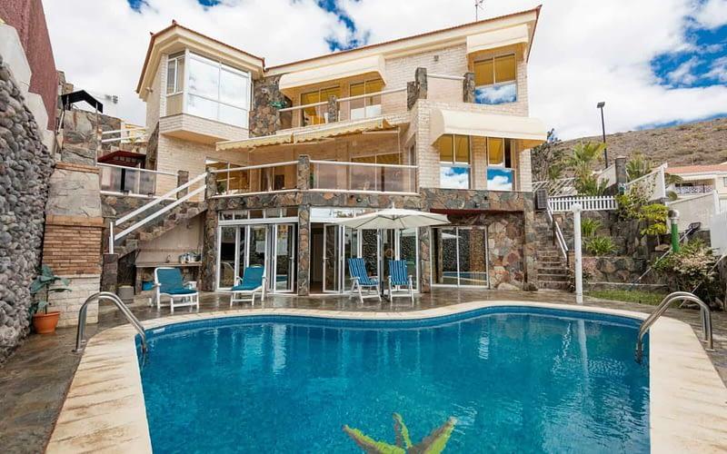 Hermosa chalet de 3 dormitorios en Arguineguin Beautiful 3 Bed Detached House in Arguineguin