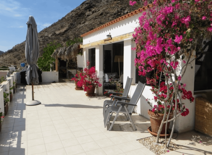 Authentic Canarian Style House with 3 Bedrooms in El Cercado