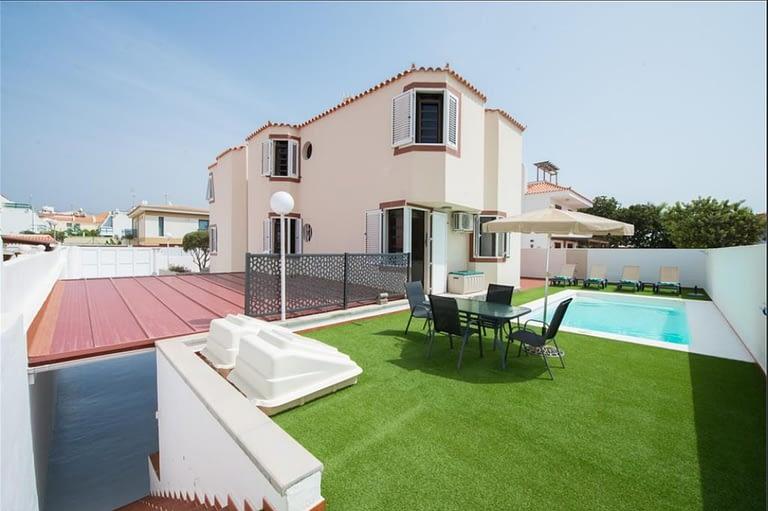 6 Bedroom Fabulous Villa in Sonnenland