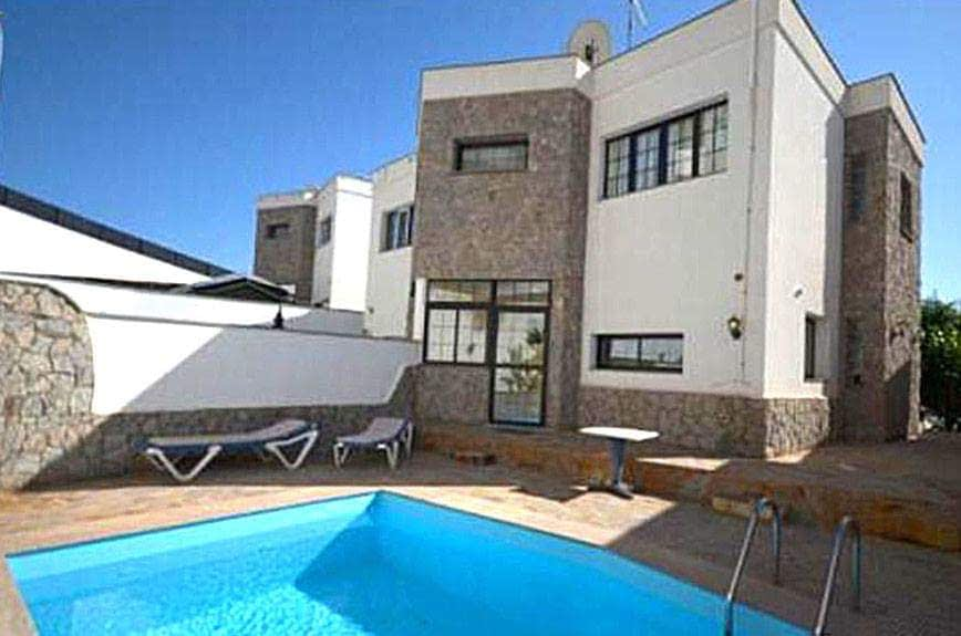 Luxury Chalet in Amadores with Seaviews