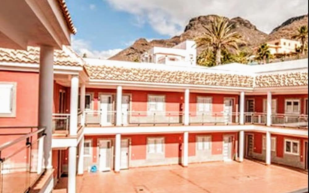 Stunning 1 Bedroom Apartment for sale in El Cercado