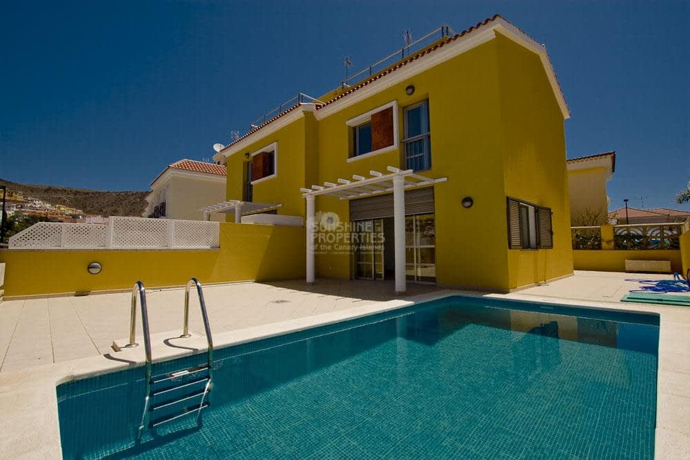 Villa in Arguineguin with 5 bedrooms
