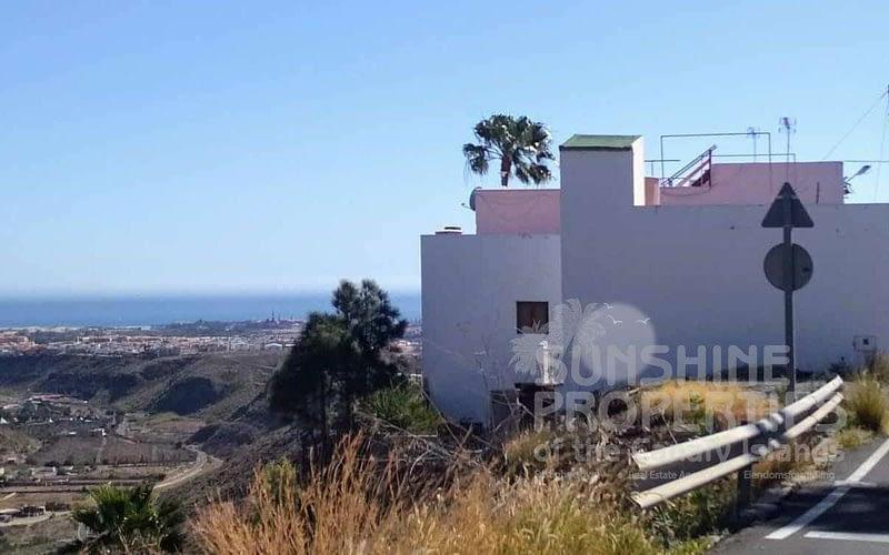 Rustic Spanish style house in Montaña La Data