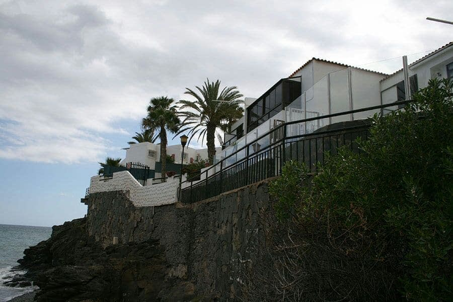 2 Bedroom Apartment in Playa Del Aguila with Sea Views