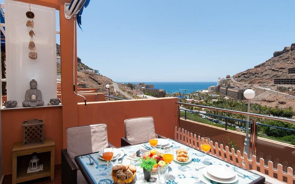 1 Bedroom Apartment with Sea Views in Taurito