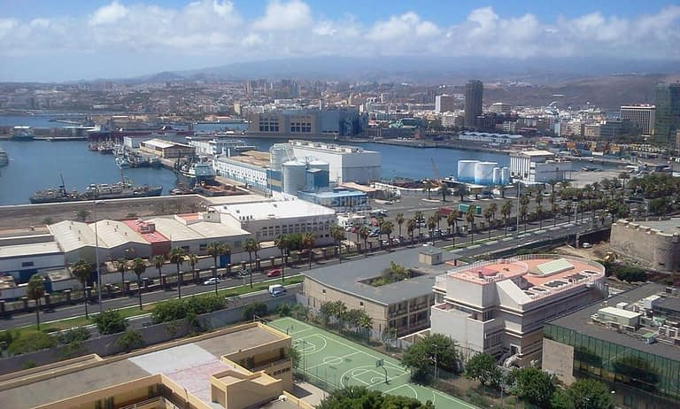 2 bedroom apartment with Beautiful Views over Santa Catalina
