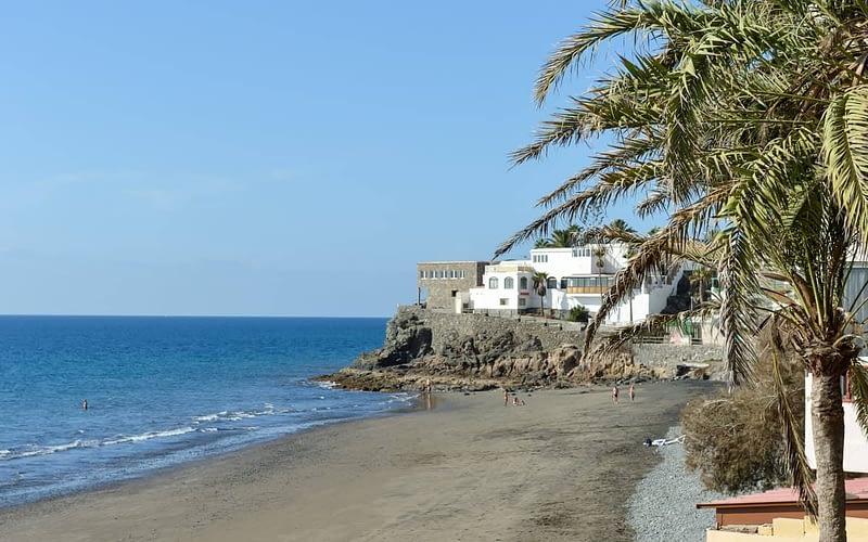 Fantastisk lägenhet precis vid havet i den lugna Aquila Playa. Beautiful 1 bedroom apartment front line to the beach in Aquila Playa